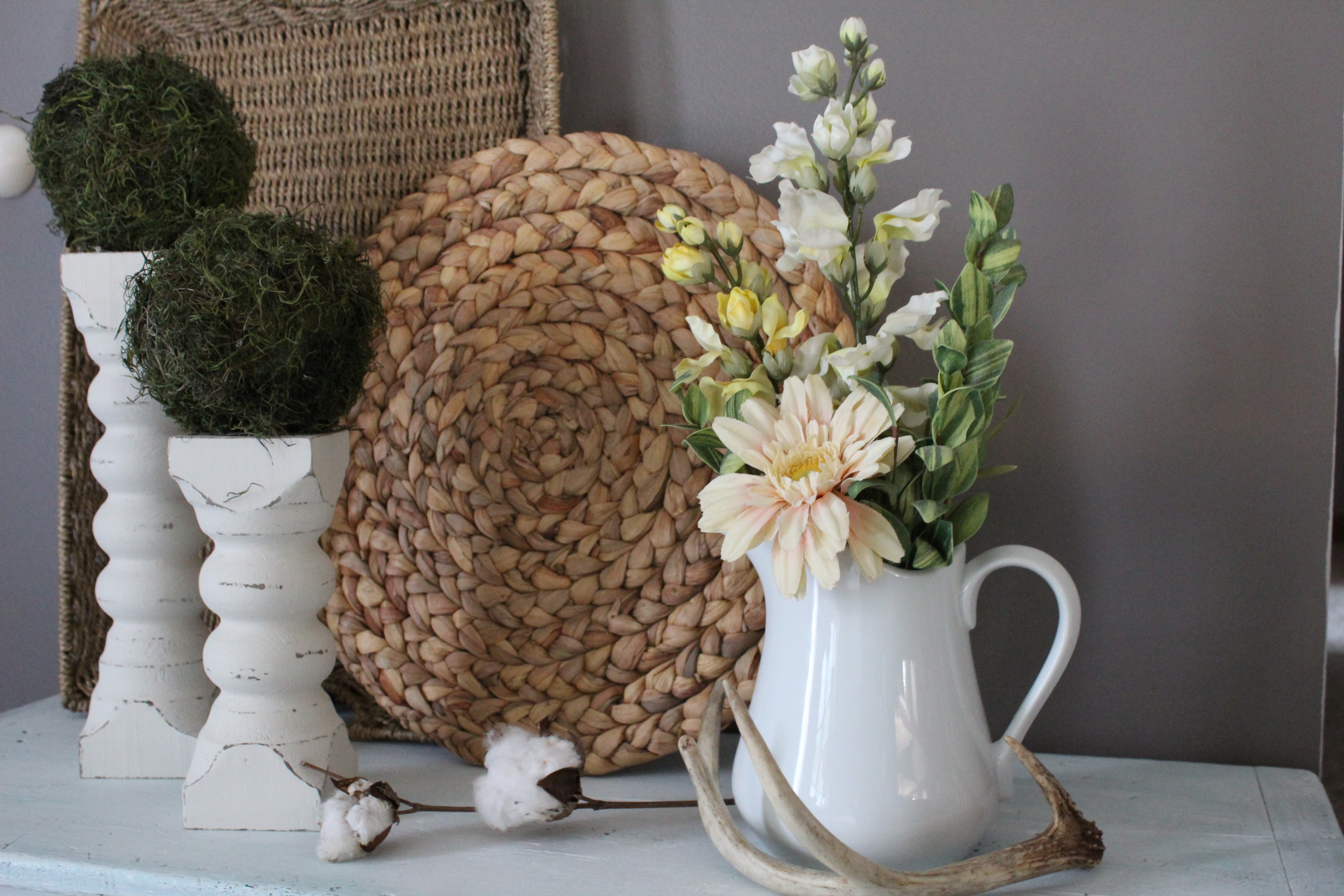 farmhouse vignette styling