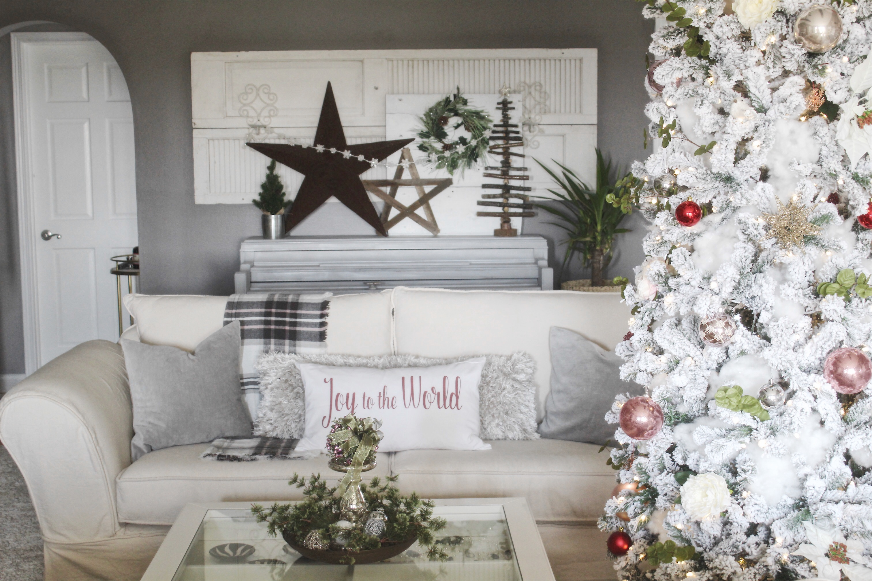 Christmas decor for open shelf in living room