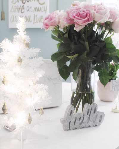 Office Space – Simple and Stunning Christmas Decor