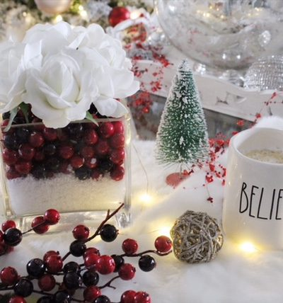 Christmas Tablescape and DIY Centerpiece