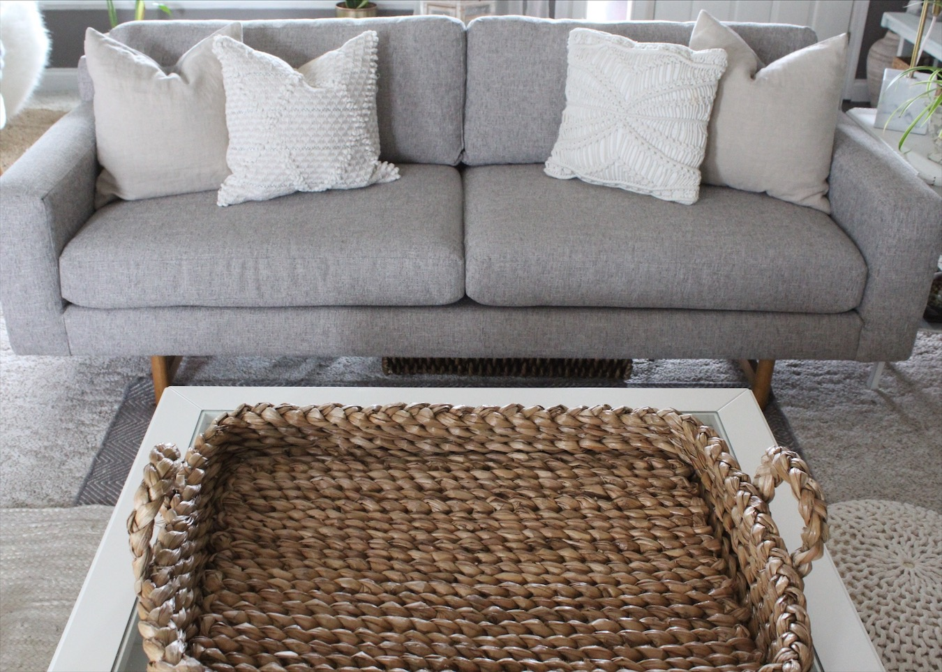 5 key accessories every home needs - step 2 Decorative tray
