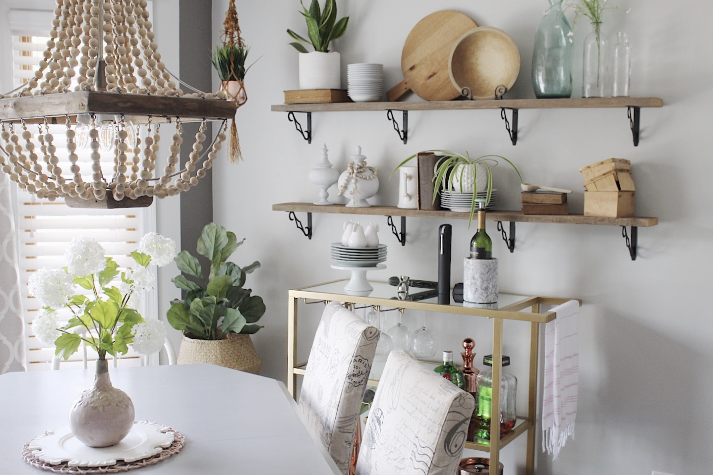quick tips to styling your open shelves
